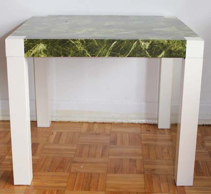 Vente de garage - Table carree ikea ...